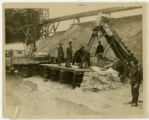 Portsmouth 1937 flood, WPA workers fill sandbags